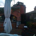 maravilhoso terraço com bar para happy hour