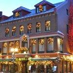Hotel du Vieux-Quebec (110634498)
