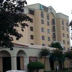 Greensboro NC Embassy Suites Airport hotel