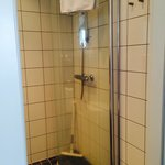 One sided shower with squeegee