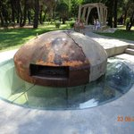 Бункер в центре Тираны(жуткое впечатление)