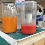 Petit déj jus d'orange ou de fruit mix très bon