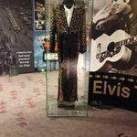 Elvis rå + kostyme med power