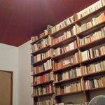 la bibliothèque de la chambre