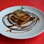 Foie Fresc a la planxa, amb toffee de plàtan i reducció de mòdena.