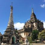 寺院の全景