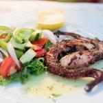 осьминог на блюдце
