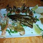 Trancio di Anguilla e grigliata du crostacei
