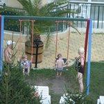 Детская площадка, вид из окна аппартаментов