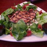 Gorgonzola salad with grilled chicken