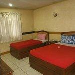 deluxe room (room 403)