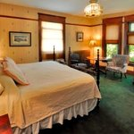 Mississippi Room (formerly Canto Room) - King Bed