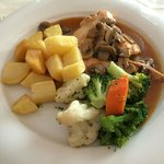 Turkey, potatoes and vegetables