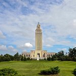 The Baton Rouge state capitol building is the tallest in the country, boasting 34 floors. Get a