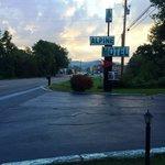 Entrance Alpine Motel