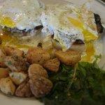 Undercooked eggs Benedict - blech!!