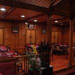 Foto de Pin-Kaow Thai Cuisine Restaurant