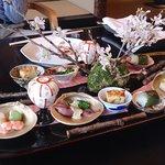 「匠」おくむら 桜の季節の前菜です