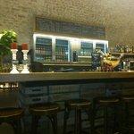 The minimalist bar