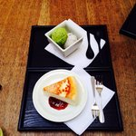 Low fat cheese cake and matcha ice cream