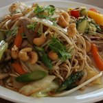 Noodle with duck and vegetables