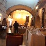 Restaurant con partes antiguas de la bodega del bono