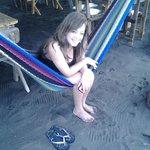 Mi amada esposa descansando en una Hamaca