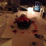 Салат с крабом, гуакомоле и цитрусовыми