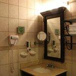Sink & mirrors