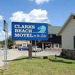 Clark's Beach Motel Foto