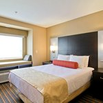 Photo de Best Western Plus Woodstock Inn & Suites