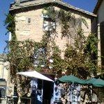 Terrasse et façade du Curiosi'thé