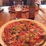 Pizzas y cerveza artesanal