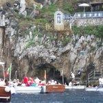Grotto Azzurra traffic jam