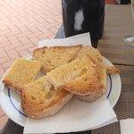 Pan tostado con mantequilla