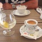 Café y copa de amarguiña