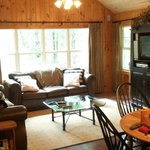 Dining and living area, Deer Path cottage