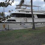 Una de las embarcaciones amarradas