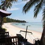 La plage Haad Yao Beach vue du bar