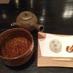 和菓子とバタバタ茶