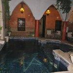 piscine, espace petit-déj