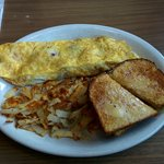 Hawaiian omlet with hashbrowns, yummy