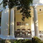 Photo de Hotel Habana Paseo