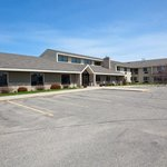 Americ Inn Albert Lea Exterior Day