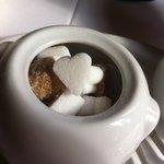 Des sucres en forme de coeur, pic, trèfle et carreau