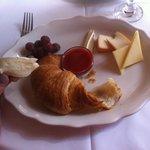 Croissant et fromage, miam