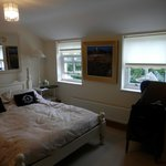 Lovely comfortable room and good size ensuite with nice amenities
