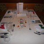 Gedeckter Tisch beim Galadinner