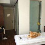 Zimmer 223, Blick auf Bad und Flur