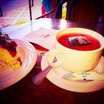 Cheesecake and fruit tea